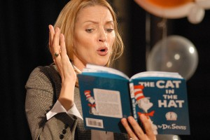 Uma Thurman reads the Cat in the Hat